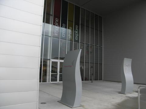 04_entrance.jpg